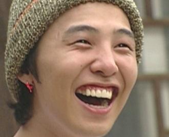 bigbangジヨンとかわいい笑顔.jpg